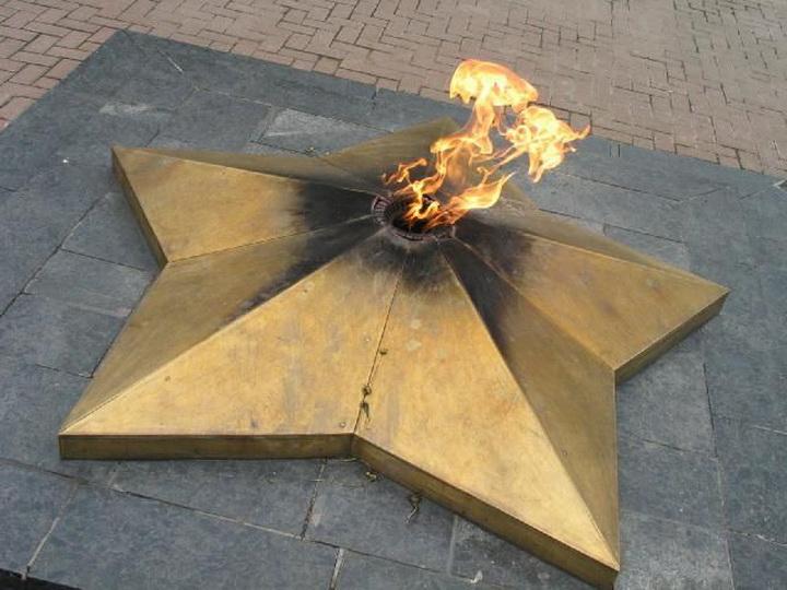 Вечный огонь в Нальчике подорвали радиоуправляемой бомбой - Новости.