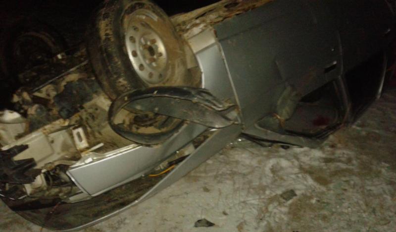 Пассажир ВАЗа умер при опрокидывании машины вкювет вОренбургской области