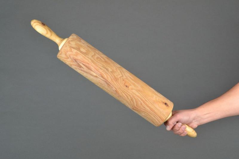ВАсекеевском районе мужчина избил пожилую соседку деревянной скалкой