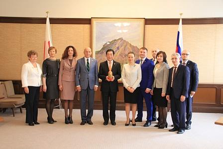 ВЯпонии делегацию изОренбурга принял губернатор префектуры Эхимэ