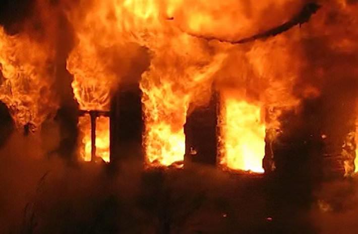 ВМедногорске вдоме сгорела мать ссыном