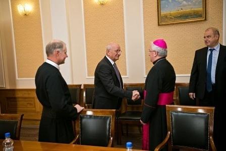 Юрий Берг встретился спослом Ватикана