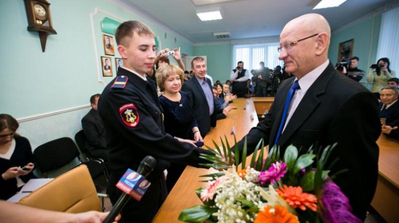 Полицейскому изОренбурга дали квартиру заспасение замерзавших натрассе людей