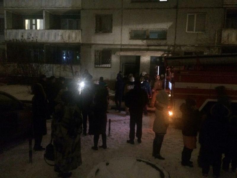 ВОренбурге напожаре вмногоэтажке спасли 15 человек